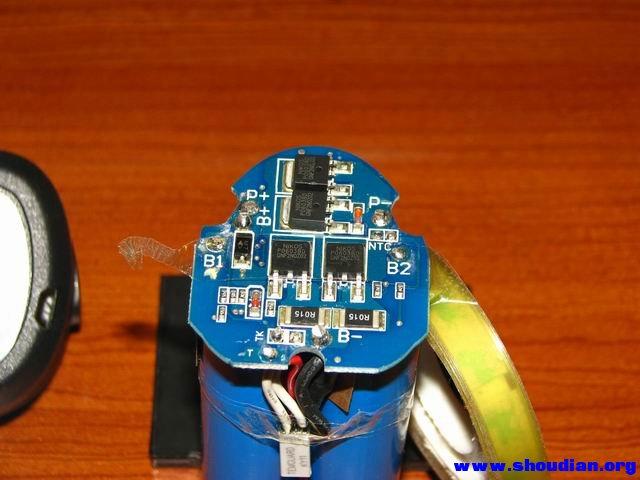 拆个国产博大12v锂电钻充电器