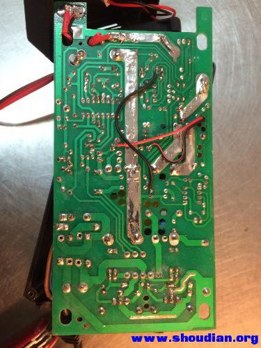 也来发一个12v20a汽车电瓶充电器充电机 正负脉冲修复