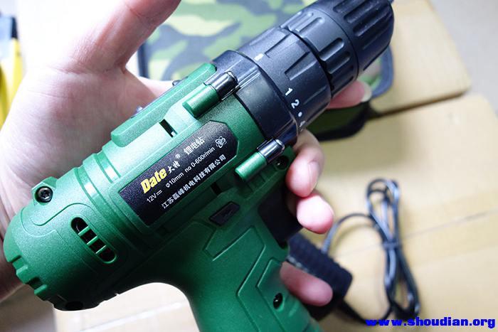 公司富余一些12v锂电池充电螺丝刀充电钻 两电一充 有人要吗