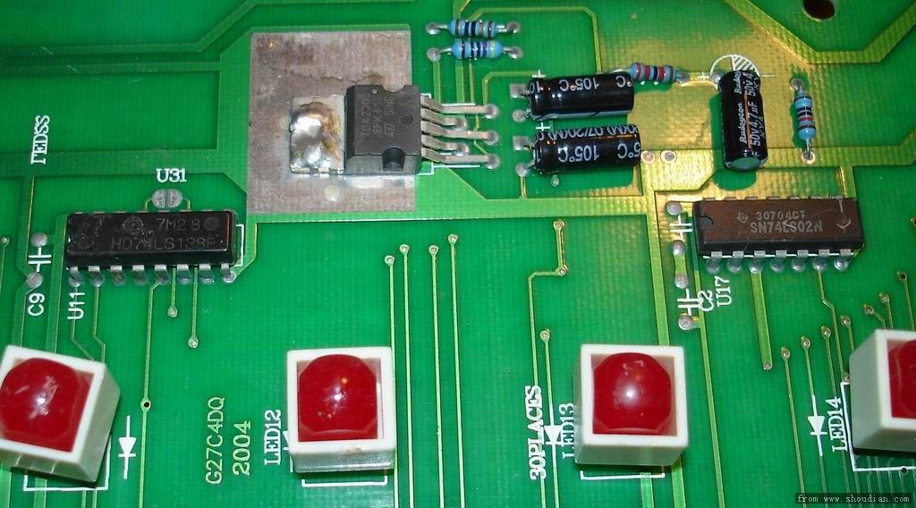 苹果机的电路板 单片机 能做电压显示的吗